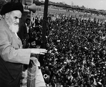 العلاقة بين الإمام الخميني و الشعب في الثورة