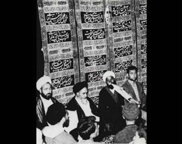 الامام الخميني في عزاء الامام الحسين(ع)