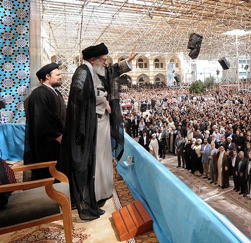 قائد الثورة الاسلامية: الشعب الايراني سينتصر علي التحديات ويواصل نهج الامام الخميني