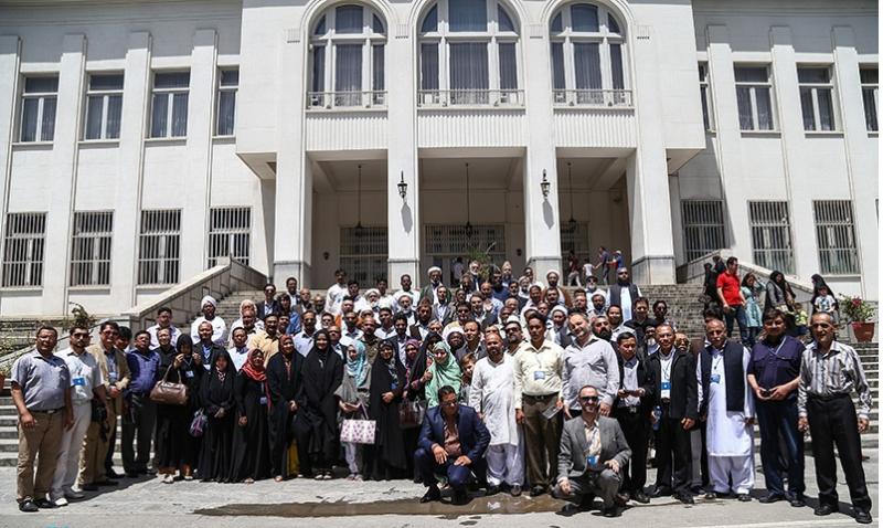 ضيوف مراسم ذكرى رحيل الامام يزورون قصور سعد اباد