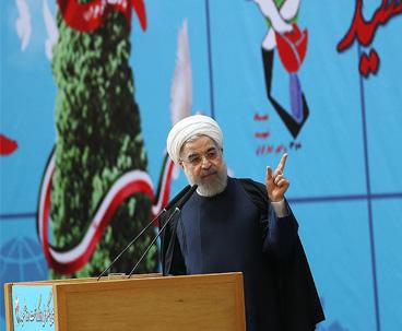 روحاني:نفخر بقيادة الامام الخميني الراحل و نفخر اليوم بقيادة قائد الثورة الاسلامية
