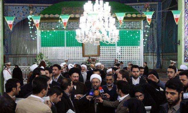 رئيس السلطة القضائية يزور مرقد الامام الخميني