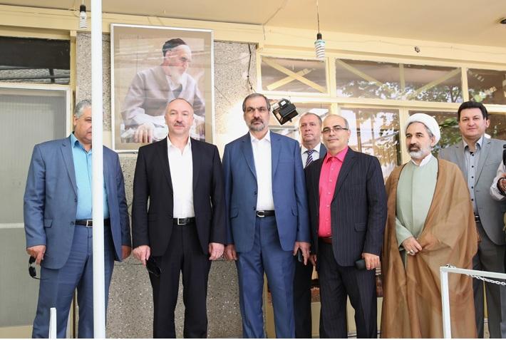 مدعي عام روسية البيضا يزور بيت الامام الخميني في جماران