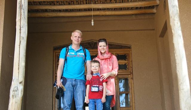 السياح الالمانيون يزرون بيت الامام في خمين