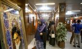 طلبة الجامعات من 14 دولة اسلامية يزورون بيت الامام في جماران