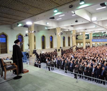 الشعب الايراني ثوري ومتمسك بالثورة ووفي للامام الراحل (رض) وفكره ومبادئه