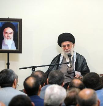 قائد الثورة:سيرة وتصريحات الامام الخميني (رض) هي مبادئ الثورة الاسلامية