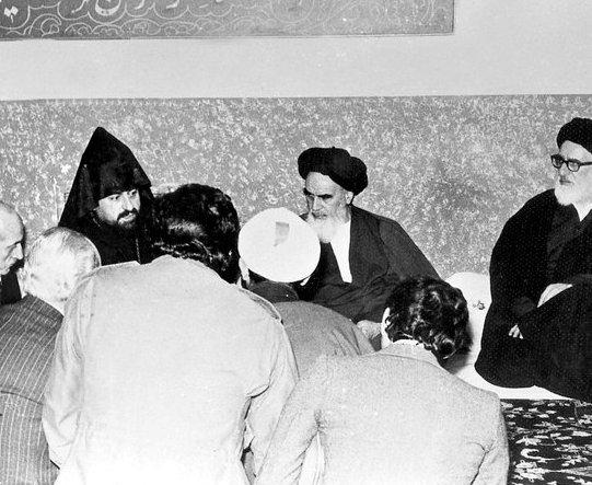 خطاب الامام الخميني حول الإسلام والأقليات الدينية