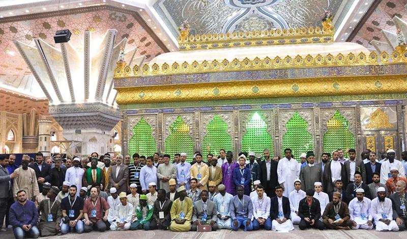 المشاركون في المسابقه الدوليه للقرآن الكريم يزورون مرقد الامام الخميني قدس سره الشريف