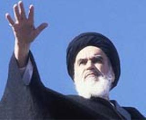 كان لقيادة الامام الخميني دوراً هاماً في انتصار الثورة الاسلامية