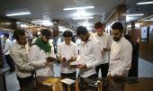 طلبة مؤسسة العصر في لندن يزورون بيت الامام الخميني في جماران