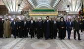 رئيس الجمهورية وأعضاء الحكومة يجددون العهد مع الامام الخميني قدس سره