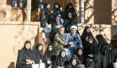 وفد من شيعة كشمير الهندية يزورون بيت الامام الراحل في خمين
