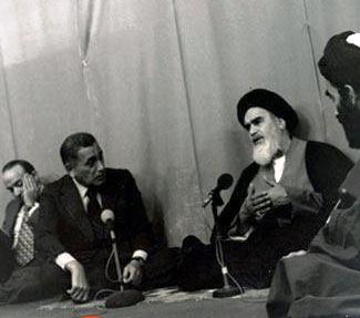 الإمام الخميني لحسنين هيكل:انظار الشعوب الإسلامية والشعوب غير الإسلامية متّجهة الينا