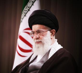 الإمام الخامنئي: تصرفات السعودية حيال الصهاينة و أمريكا عارٌ على العالم الإسلامي