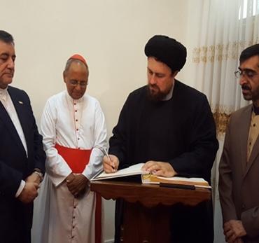 مستقبلا السيد حسن الخميني.. اسقف سريلانكا يشيد بالامام الخميني