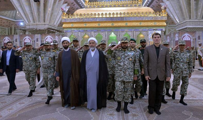قادة الدفاع الجوي يزورون مرقد الامام الخميني قدس سره الشريف