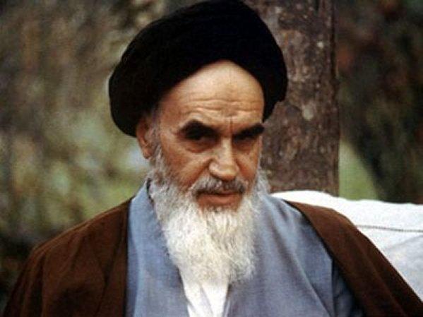 خطّ الامام الخمیني هو اقامة العدل و الحق و القیم الاسلامیة