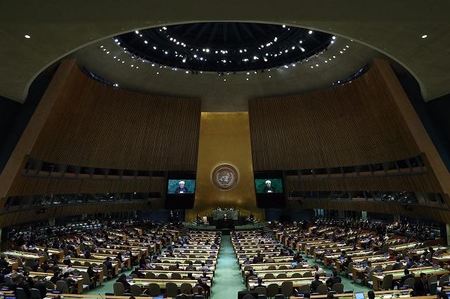 الرئيس روحاني: الإدارة الامريكية الجديدة تفقد مصداقيتها بنقضها التعهدات الدولية