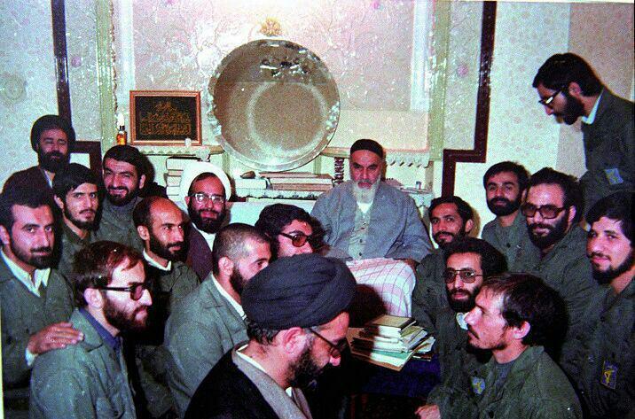 بمناسبة الذكرى السنوية لتاسيس حرس الثورة الاسلامية