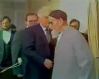 عندما خرج الإمام من الاجتماع!