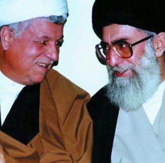 الامام الخامنئي ينعي رفيق دربه الشيخ رفسنجاني