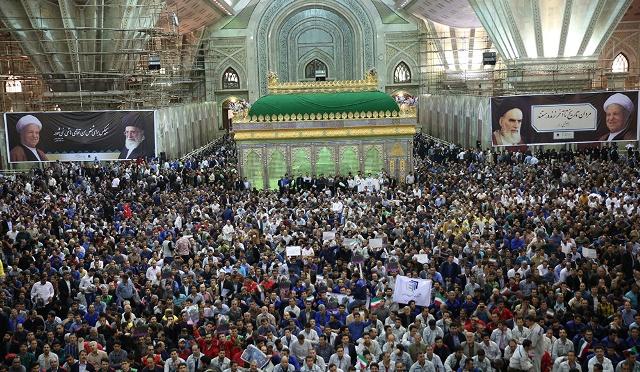 مراسم في یوم العمال العالمي في مرقد الامام الخمینی