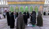 وفد من زوار جمهورية آذربايجان يزورون مرقد الامام الخميني