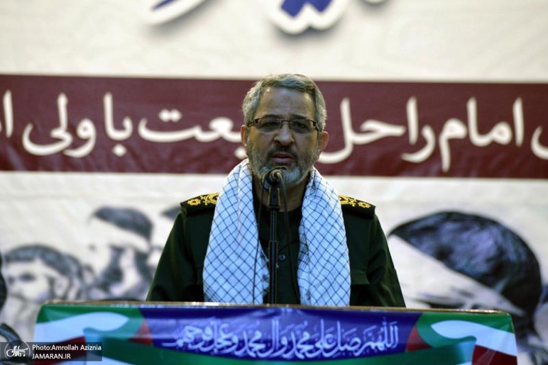 قوات التعبئة يجددون العهد والميثاق مع نهج الإمام الخميني