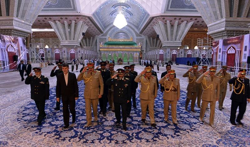 قائد حرس الحدود العراقي يزور مرقد الامام الخميني