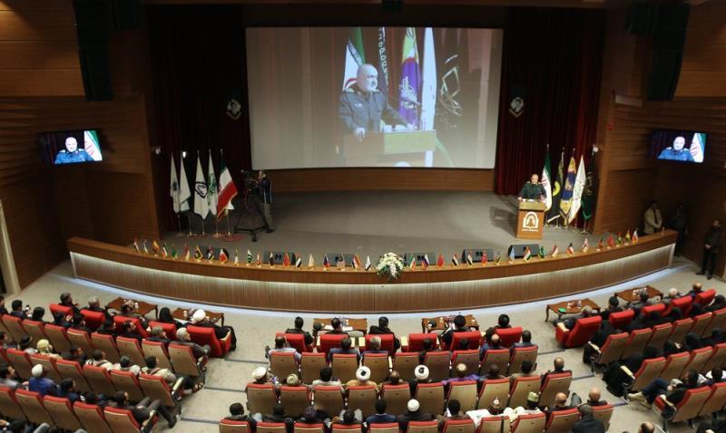العميد سلامي: الشعب الإيراني حوّل بإقتداره جميع تهديدات العدو الى فرص
