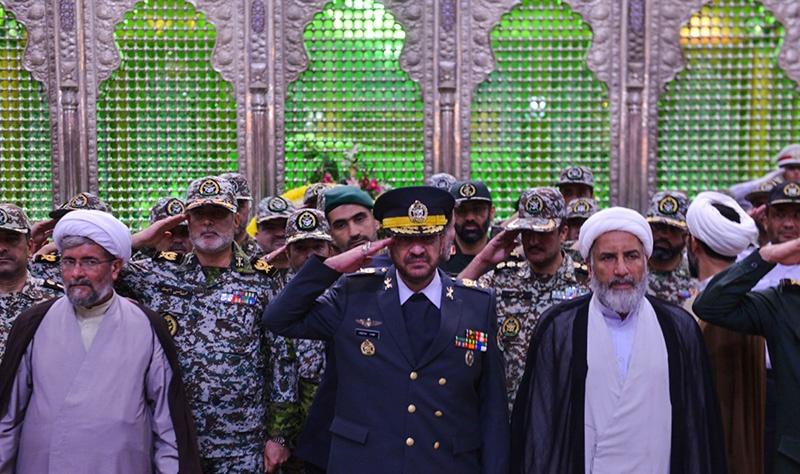 قادة الدفاع الجوي يجددون العهد مع مبادئ الامام الخميني قدس سره الشريف