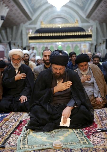 مراسم عزاء استشهاد الامام السجاد (ع) في مرقد الامام الخمینی