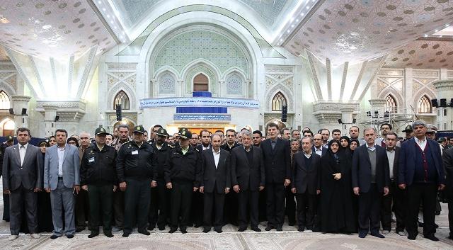 رئيس بلدية طهران و اعضاء المجلس البلدي يجددون العهد مع الامام الخميني