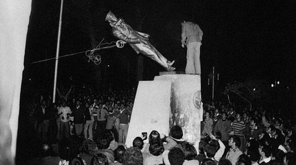 اهم الاحداث التي ادّت الى انتصار الثورة الاسلامية