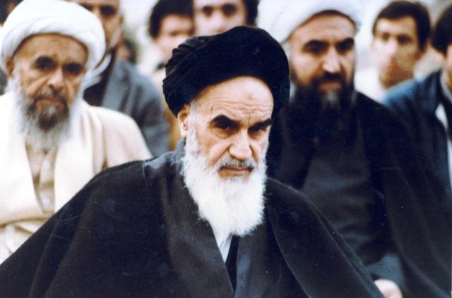 الصحوة الاسلامية واحياء الحضارة الدينية حسب رؤية الامام الخميني