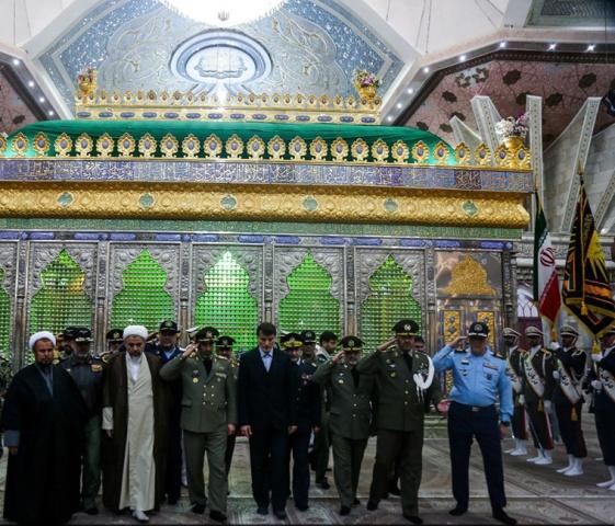 قادة الجيش يجددون العهد مع مبادئ الإمام الخميني (رض) والثّورة الاسلامية