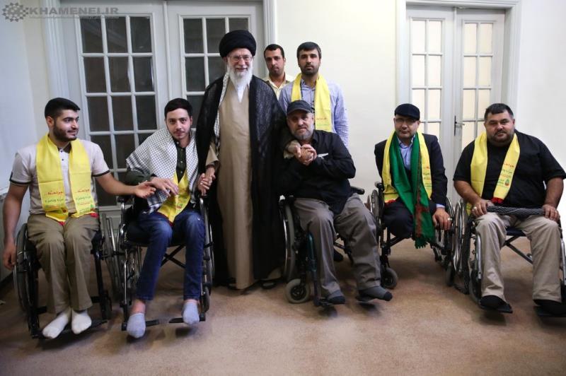 قائد الثورة الاسلامية يستقبل جرحى حزب الله