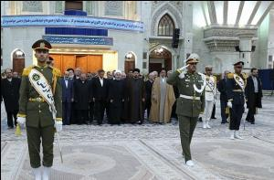 رئيس الجمهورية وأعضاء الحكومة يجددون العهد مع مبادئ الامام الخميني قدس سره الشريف