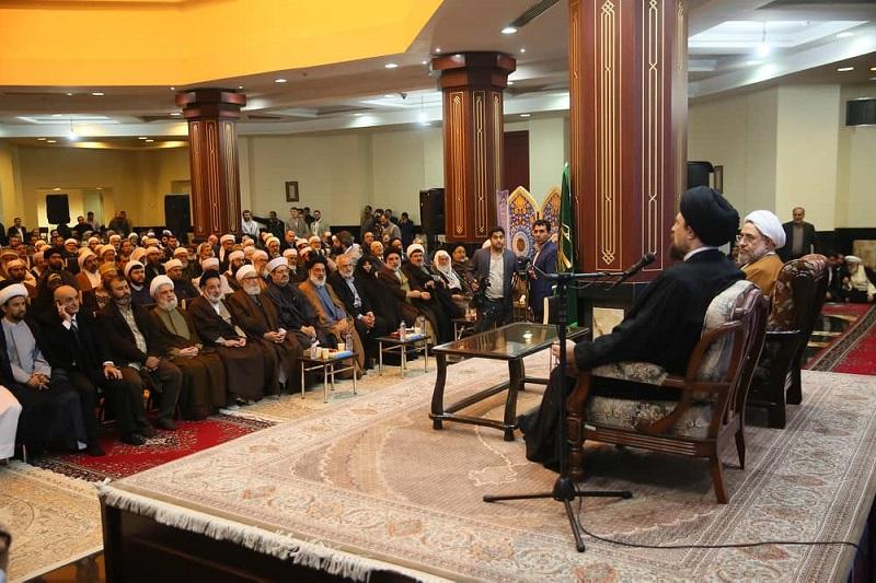 ضیوف مؤتمر الوحدة الاسلامیة يزورون مرقد الامام الخمینی و يلتقون حفيد سماحته