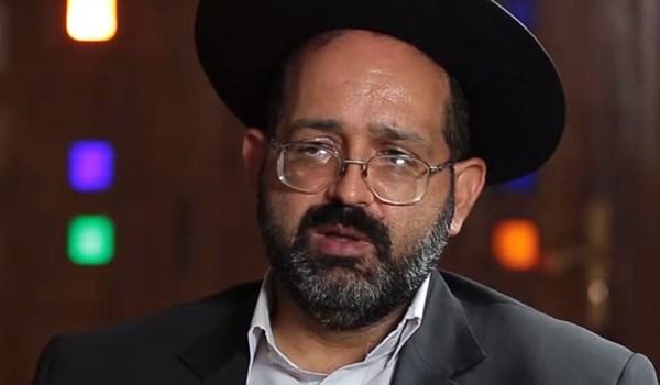 زعيم الطائفة اليهودية في ايران: التكاتف بين اتباع الديانات انجاز للامام الخميني والثورة الاسلامية