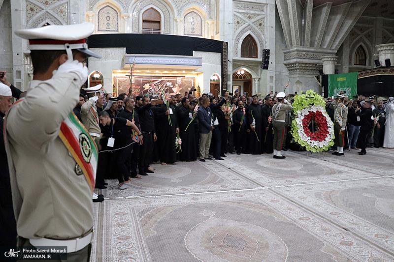 اداء تحية مجموعة من اصحاب المواكب العراقية، للمقام الرفيع لسماحة الامام الخميني (قدس سره)