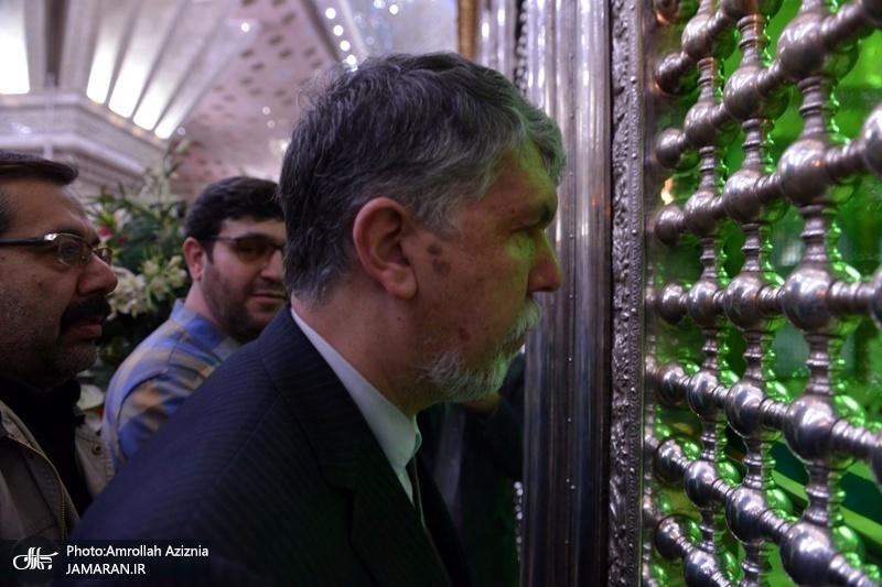 وزیر الثقافة و الارشاد الاسلامی یزور مرقد الامام الخمینی
