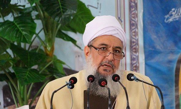 لقد أكد الإمام الخميني وقائد الثورة دائما على وحدة المسلمين كواحدة من أساسيات المجتمع