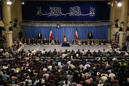 شعبنا ببركة الامام الراحل الذي كان زاخرا بالمعارف القرآنية قد عرف قيمة نهضته