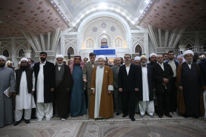 ضيوف المؤتمر الدولي للوحدة الإسلامية يجددون الميثاق مع أهداف الإمام الخميني