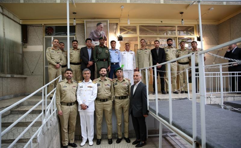 اساتذة و طلبة جامعة الدفاع الوطني في باكستان يزورون جماران