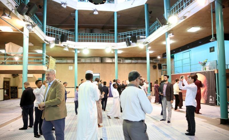 المشاركون في المسابقات الدولية للقرآن الكريم يزورون جماران