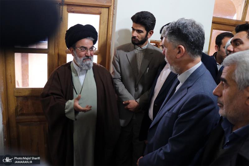زيارة وزير الثقافة و الارشاد الاسلامي لمنزل و مسقط راس سماحة الامام (قدس سره) في خمين