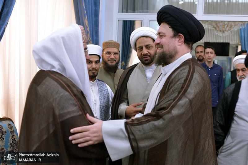 لقاء مجموعة من علماء الشيعة واهل السنة مع السيد حسن الخميني